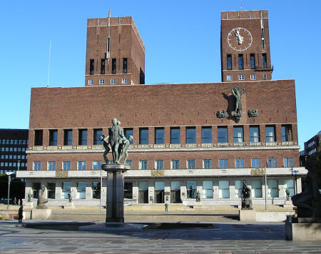 Oslo City Hall.jpg